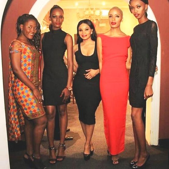 vec les mannequin, Mamie Kapend, Joy Ytal et Clarisse