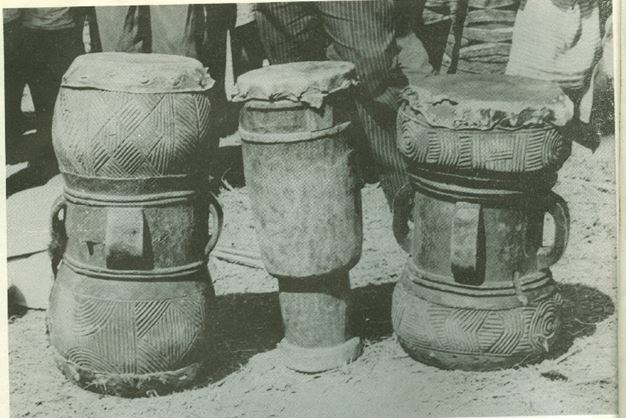 tshokwe-tambour-double-peaux