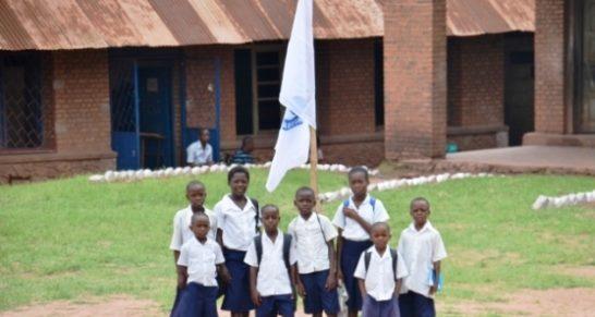 Un lot important des matériels informatiques dote par l'UNESCO au Tanganyika