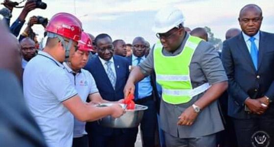 Centre culturel de Kinshasa : Le Président de la République a lancé les travaux de construction en posant la première pierre.